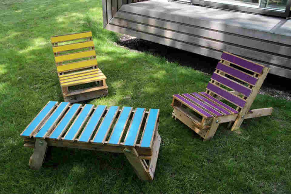 Pallet Chair Amp Table Pallet Furniture