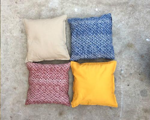 https://www.gasandairstudios.co.uk/wp-content/uploads/2015/02/floor-cushions-hire-500x400.jpg