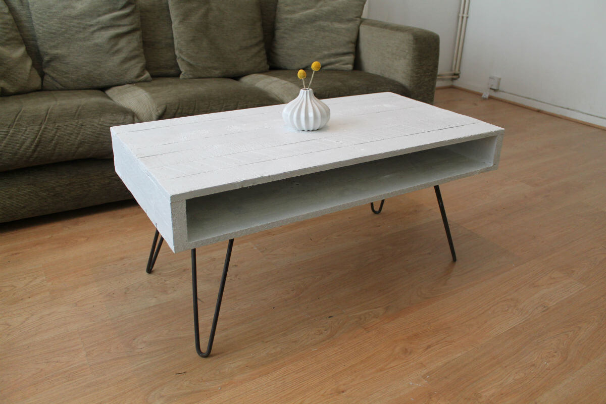 Coffee Table with Hairpin Legs in Solid White