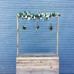 https://www.gasandairstudios.co.uk/wp-content/uploads/2015/08/bar-hanging-flowers-300x300.jpg