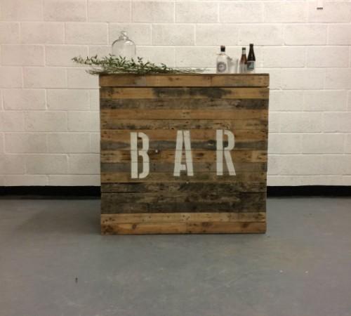 bar with stencil
