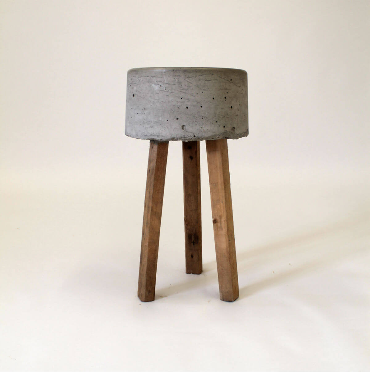 Earth Stool Pallet Furniture