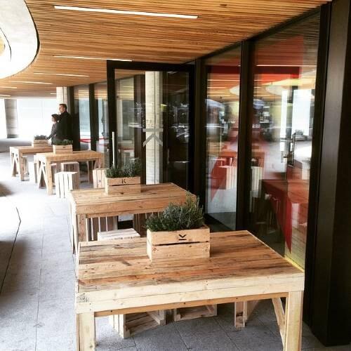 https://www.gasandairstudios.co.uk/wp-content/uploads/2015/08/outdoor-dining-table-21-500x500.jpg