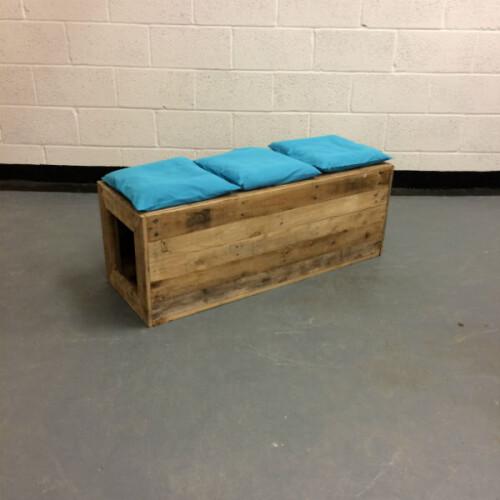 http://www.gasandairstudios.co.uk/wp-content/uploads/2015/11/bench-cushions-500x500.jpg