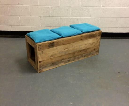 http://www.gasandairstudios.co.uk/wp-content/uploads/2015/11/bench-cushions-550x450.jpg