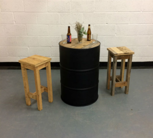 http://www.gasandairstudios.co.uk/wp-content/uploads/2015/11/oil-drum-table-hire-500x450.jpg