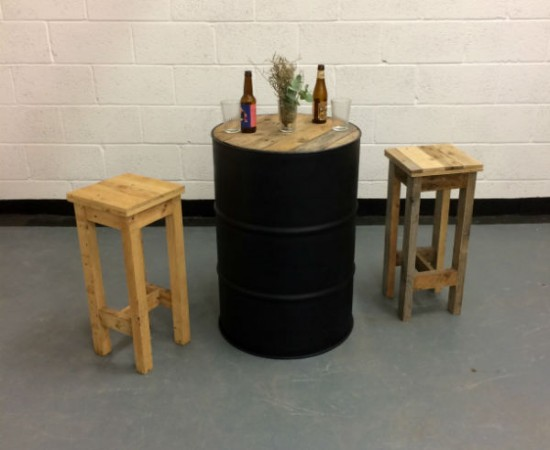 http://www.gasandairstudios.co.uk/wp-content/uploads/2015/11/oil-drum-table-hire-550x450.jpg