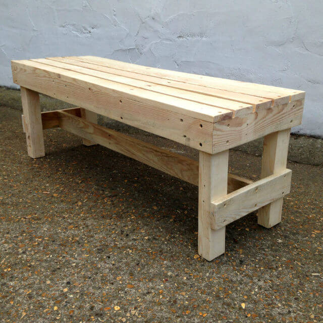 Squared Wooden Bench Pallet Furniture