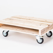 pallet coffee table on wheels 4
