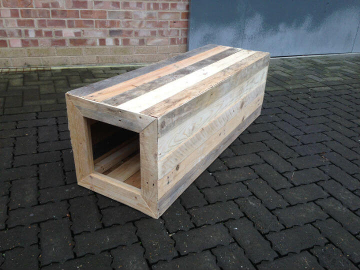 Tunnel Pallet Wood Bench
