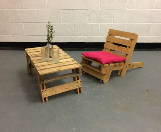 http://www.gasandairstudios.co.uk/wp-content/uploads/2016/02/folding-wooden-chair-hire-1-550x450.jpg