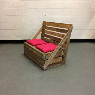 http://www.gasandairstudios.co.uk/wp-content/uploads/2016/03/pallet-sofa-hire-1-400x400.jpg