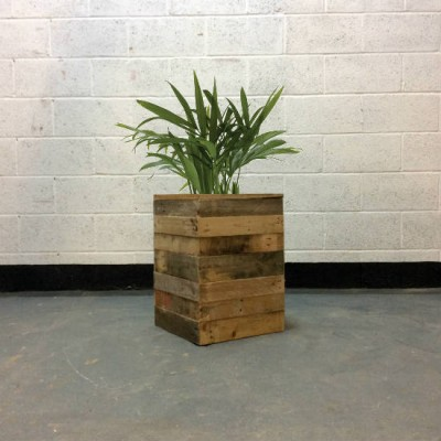 http://www.gasandairstudios.co.uk/wp-content/uploads/2018/01/box-planter-hire-400x400.jpg