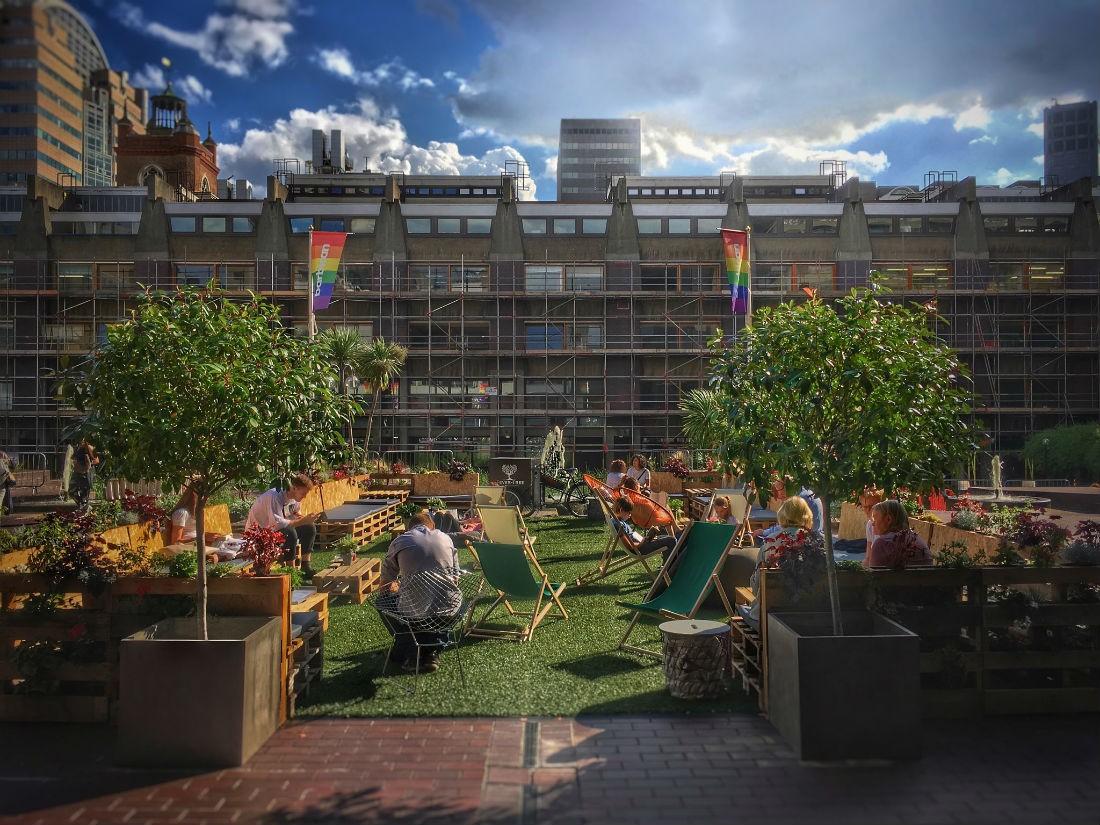 http://www.gasandairstudios.co.uk/wp-content/uploads/2018/02/barbican-outdoor-seating-area-1100x825.jpg