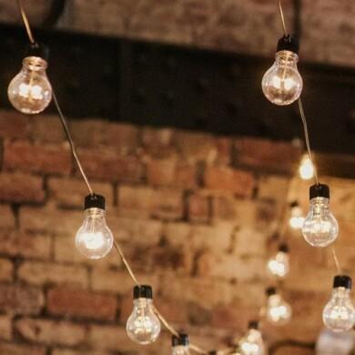 http://www.gasandairstudios.co.uk/wp-content/uploads/2018/10/festoon-lighting-hire-390x390.jpg