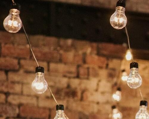 http://www.gasandairstudios.co.uk/wp-content/uploads/2018/10/festoon-lighting-hire-500x400.jpg